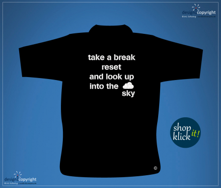 nc34_take a break look up into the sky fashion T-Shirt der Luftfahrt